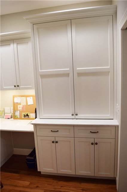 Painted cabinets - Quartz countertop - pocket doors