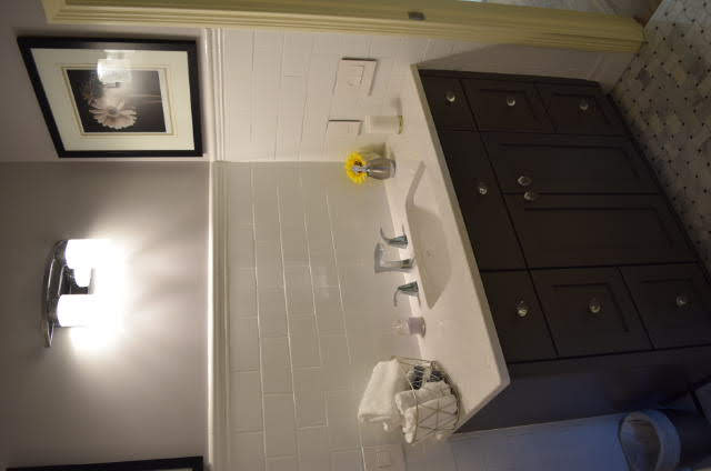 Painted - flat panel - full overlay - quartz countertop