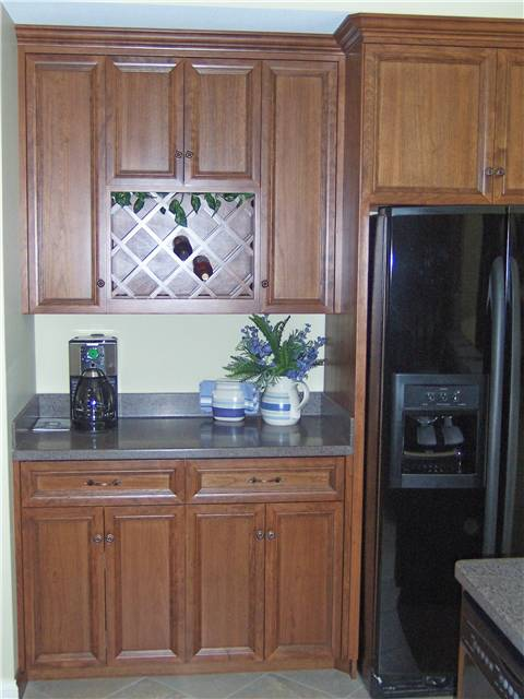 Cabinet style - full overlay / Door & drawer front style - flat panel, miter corner
