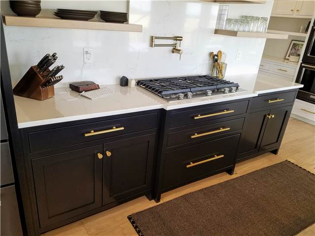 Painted maple cabinets - Quartz countertop and backsplash
