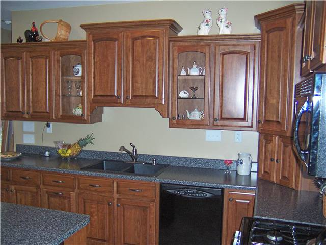 Best wood specis types for custom cabinets ds woods for Best type of wood for kitchen cabinets